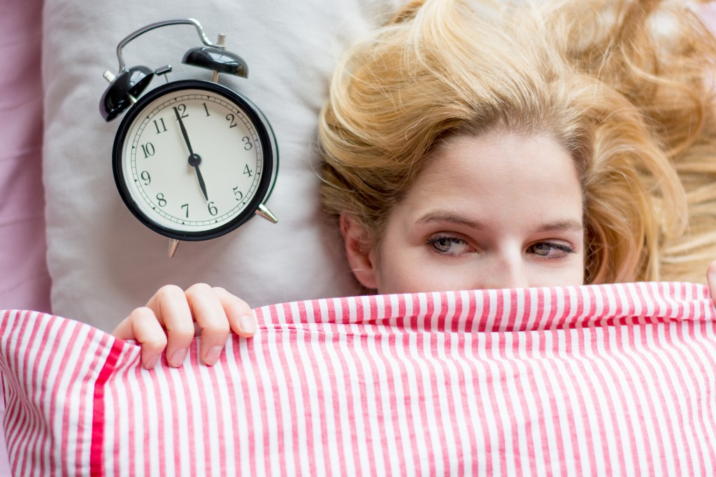 6 Practical Ways to Wake Up Early