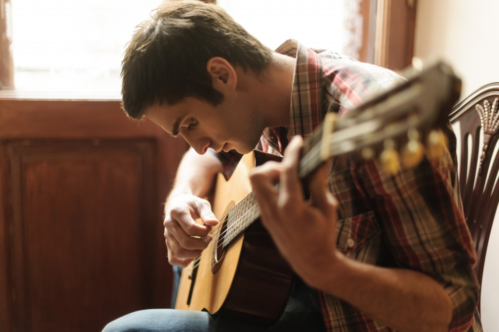 Top 8 Tips to Become a Musician