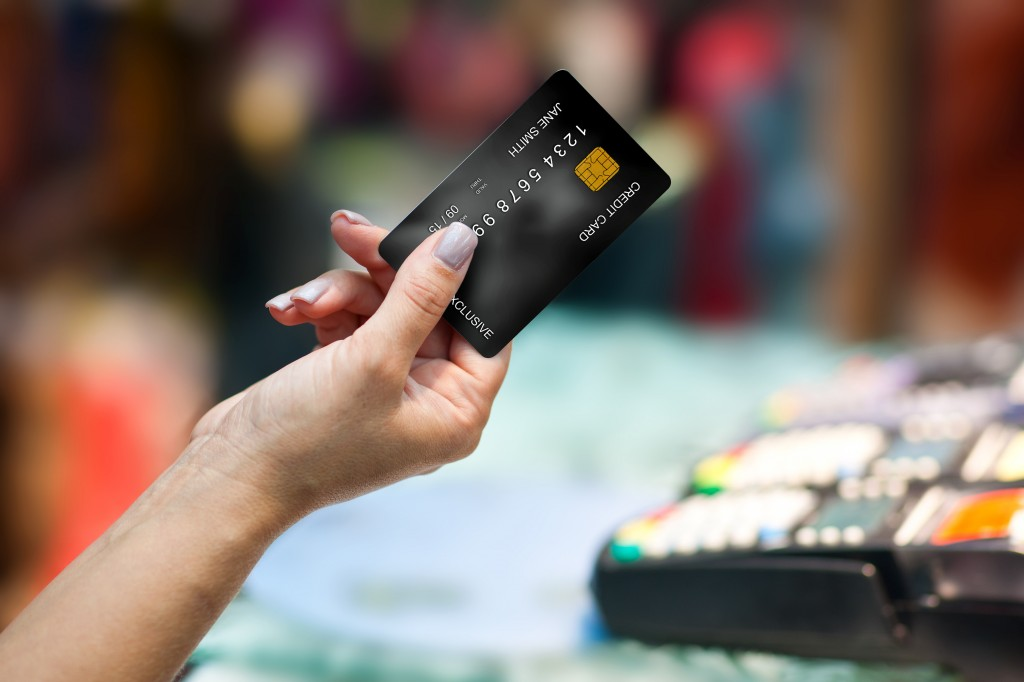 4 Ways to Put Your Credit Card to Paramount Use
