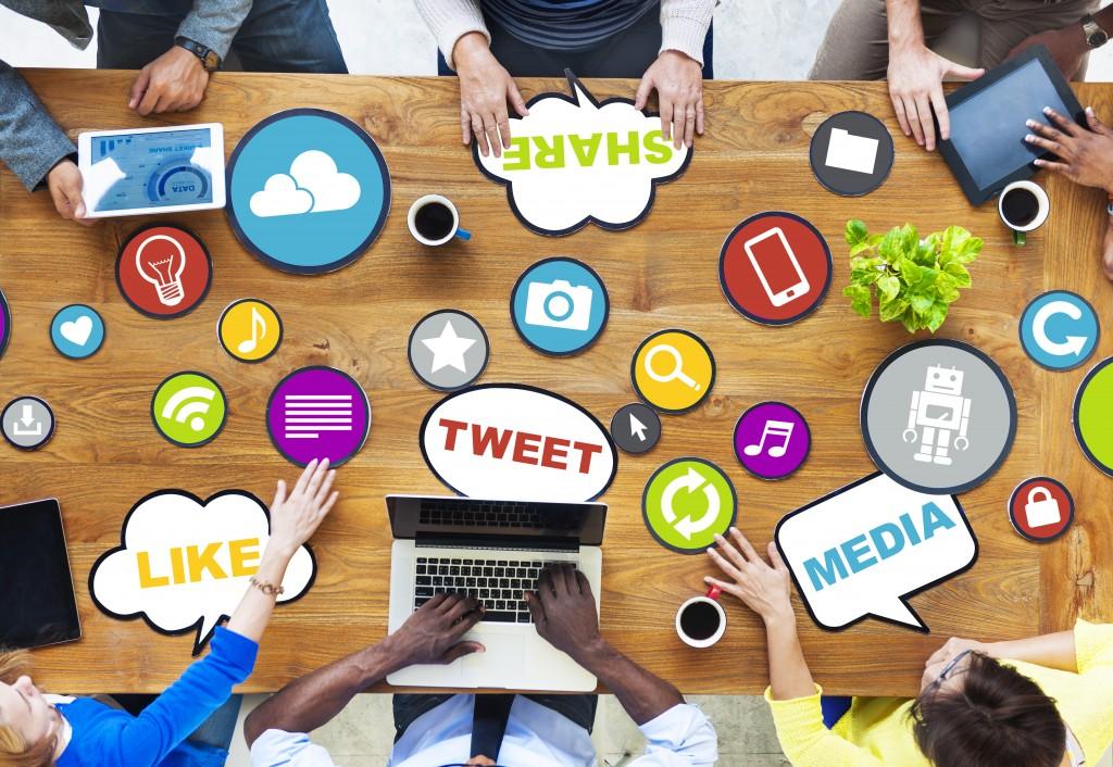 10 ways to Avoid over sharing on social media